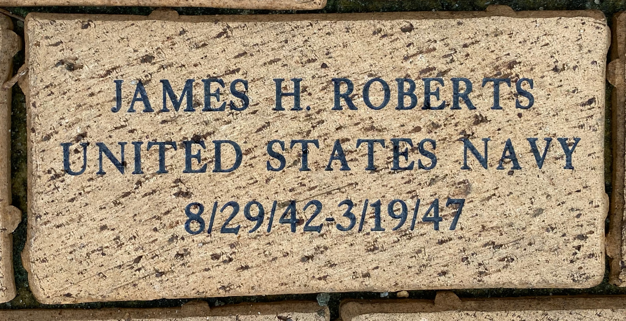 JAMES H. ROBERTS UNITED STATES NAVY 8/29/42-3/19/47